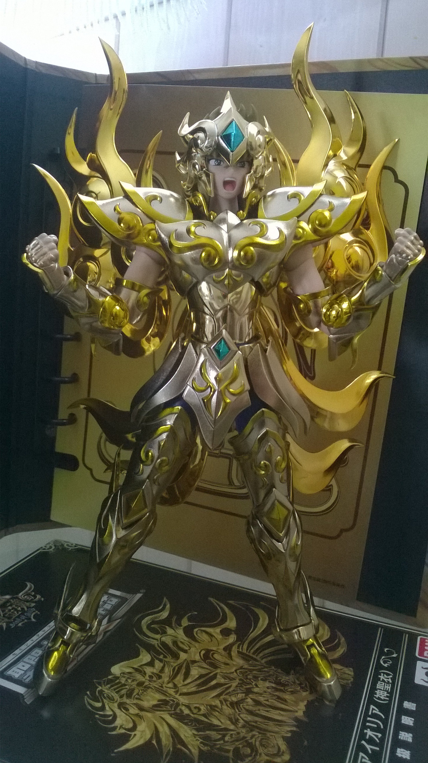 Les photos/montages de votre Myth Cloth EX du Lion Soul of Gold (God Cloth) 1gyo