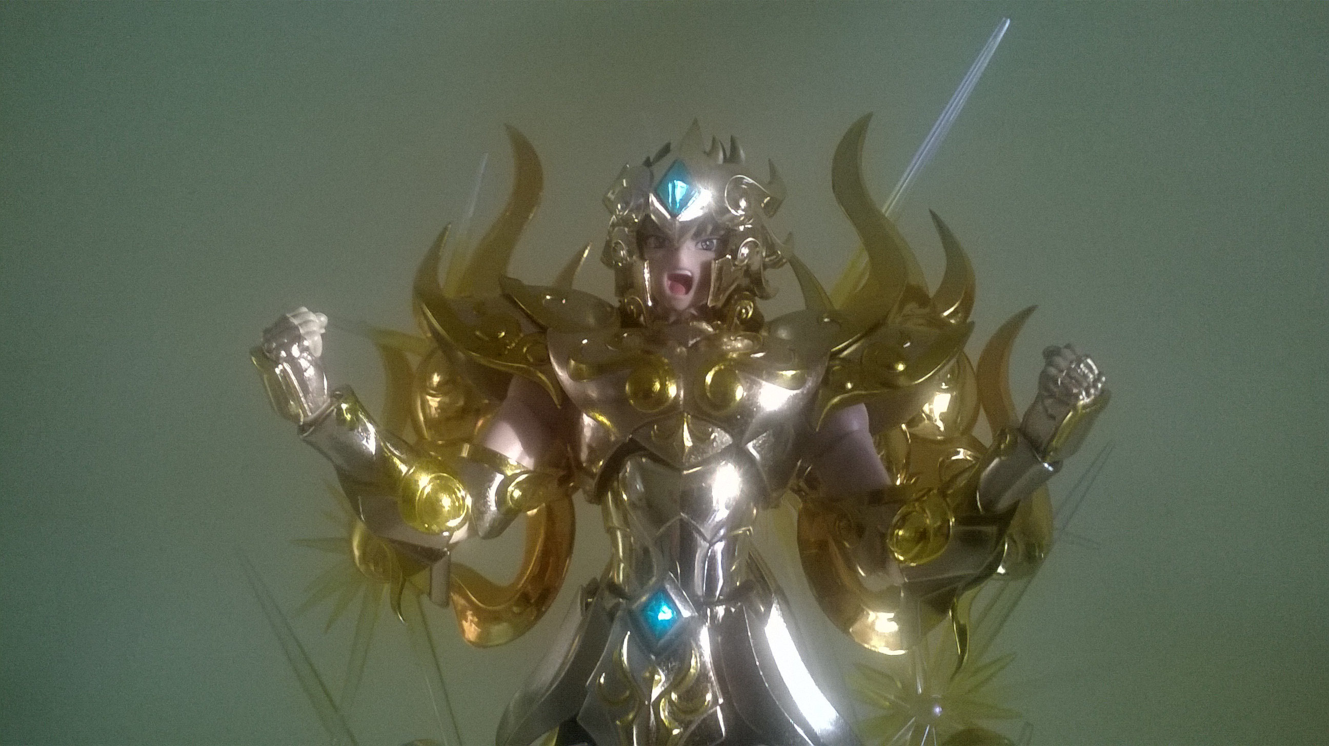 Les photos/montages de votre Myth Cloth EX du Lion Soul of Gold (God Cloth) Irl2