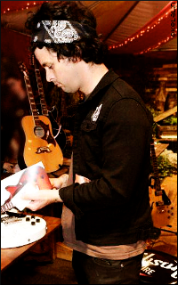 Billie Joe Armstrong - 200*320 3uwp