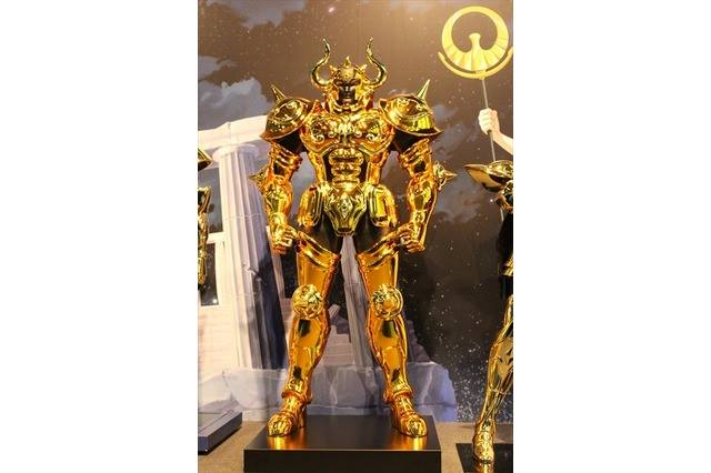 """Les Chevaliers d'Ors échelle 1/1 : """"Complete Works Of Saint Seiya, 30th Anniversary"""" Iu62"""
