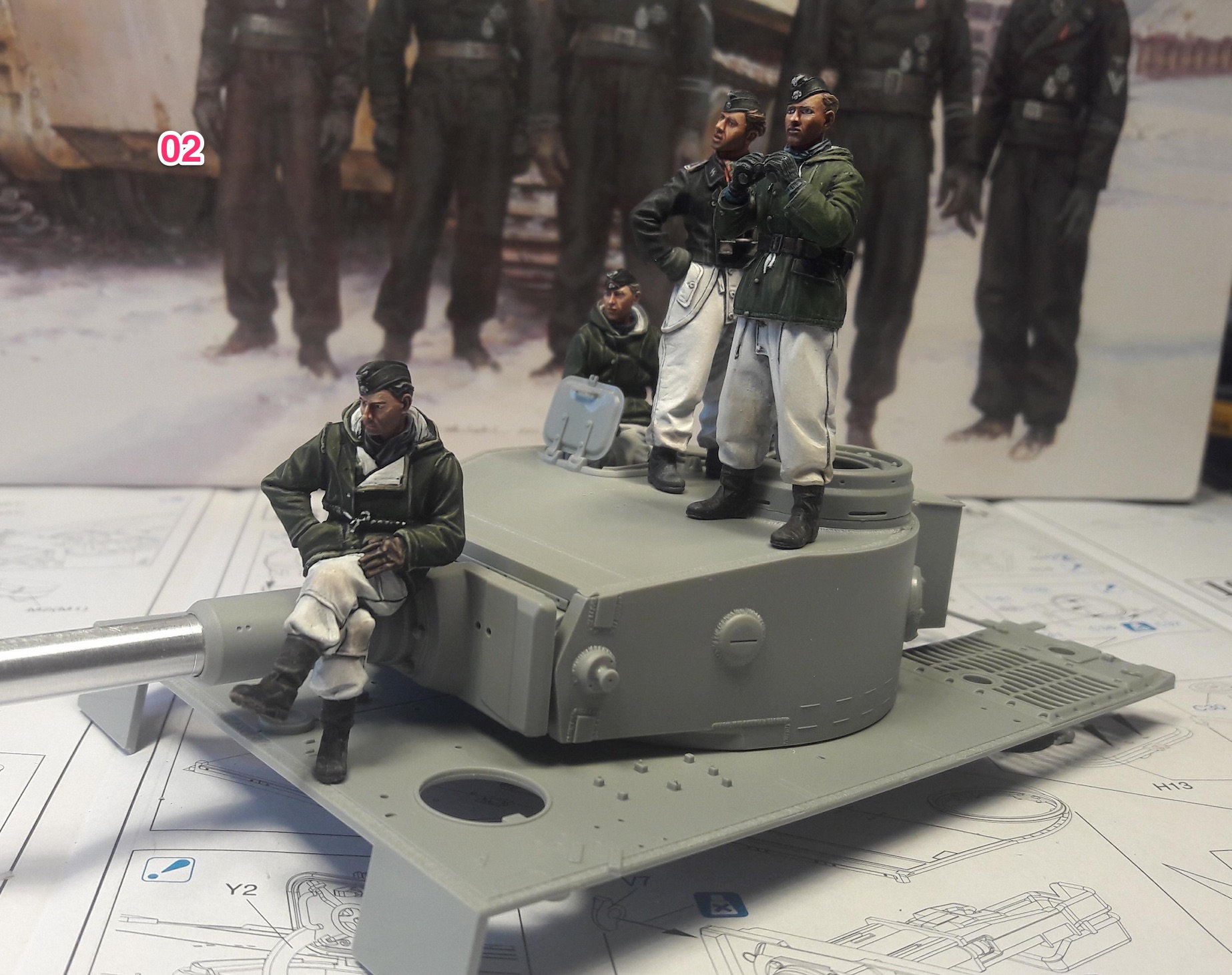 Tiger-1 Early production, kit Dragon I0fs