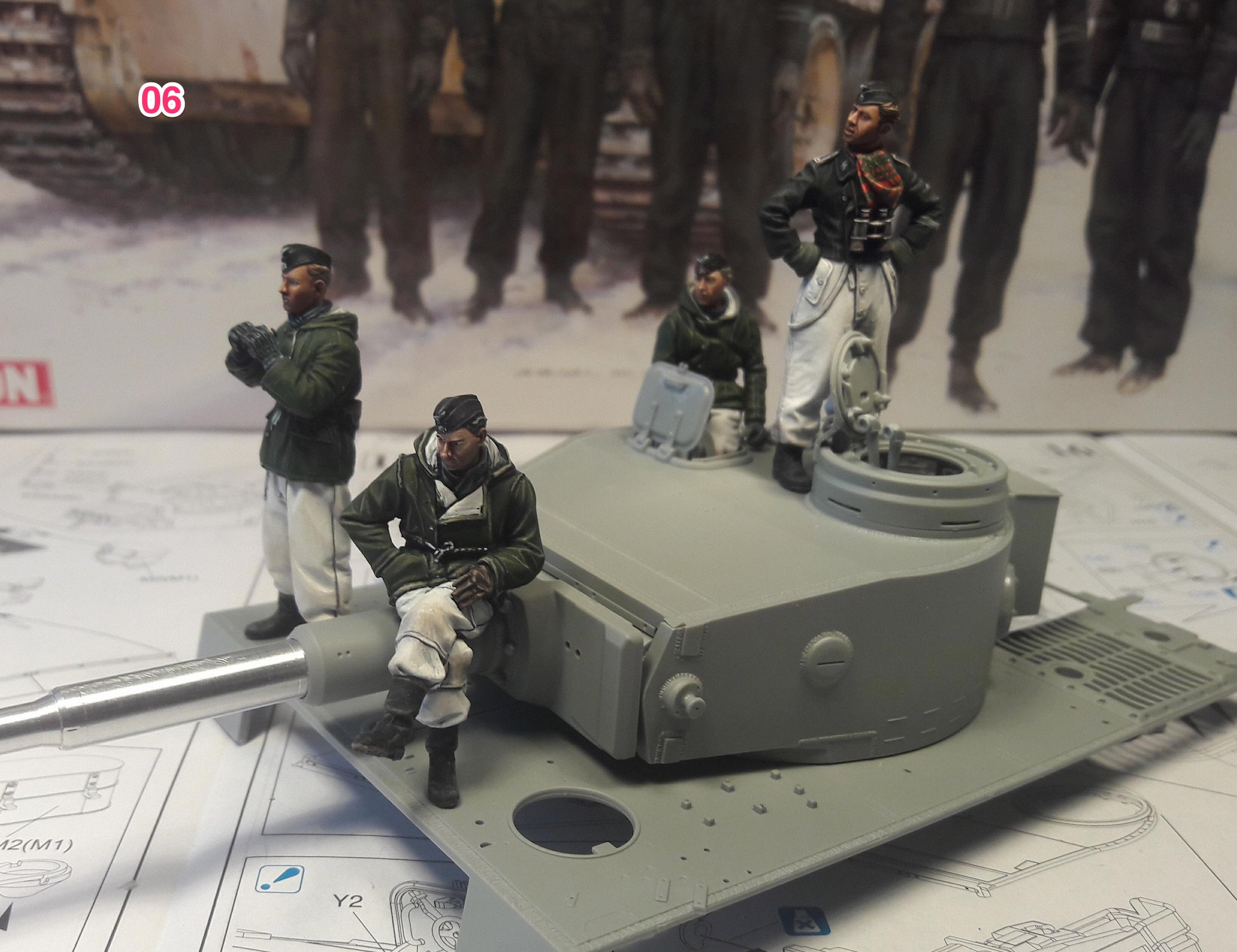 Tiger-1 Early production, kit Dragon I0kf
