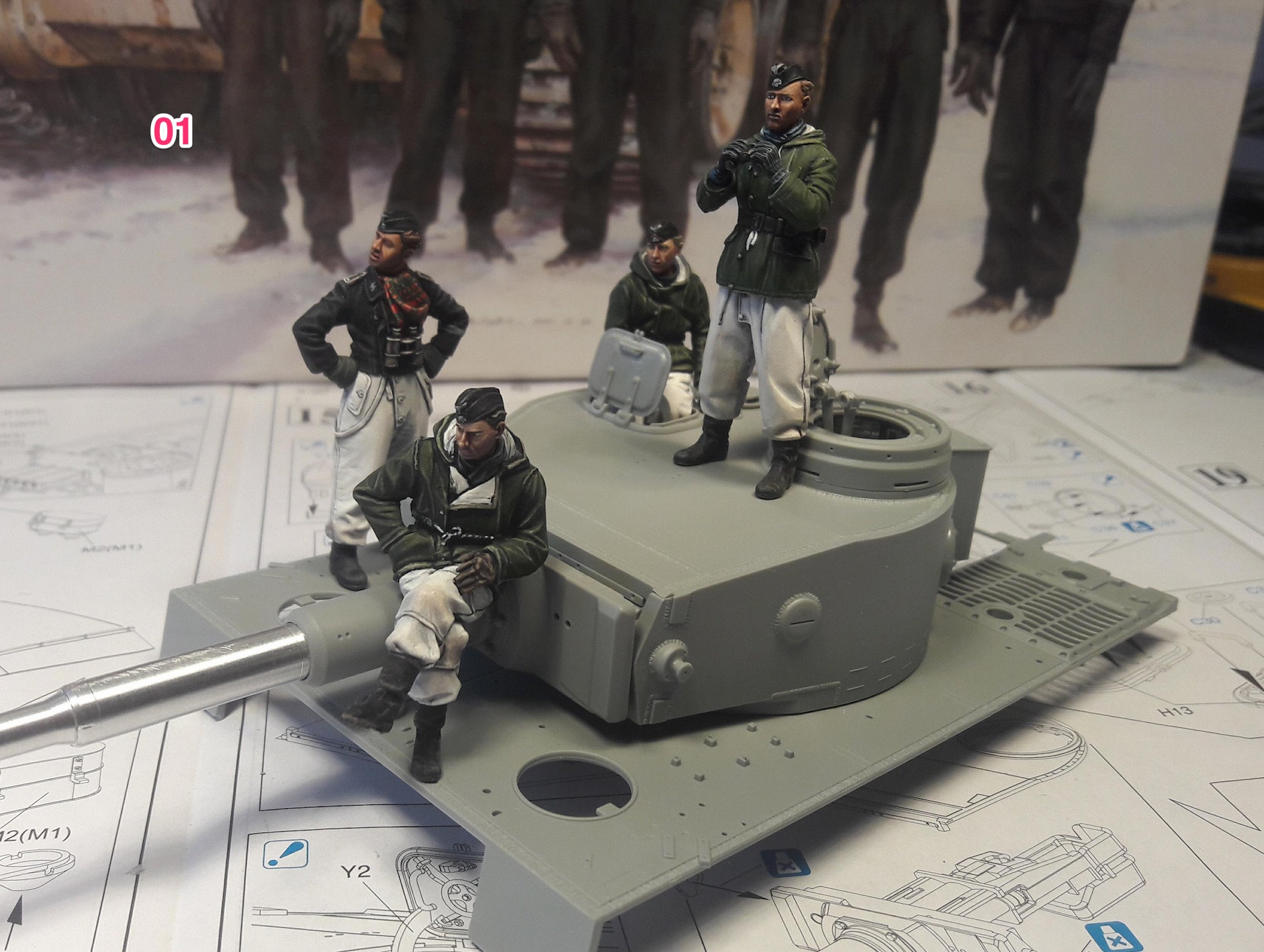 Tiger-1 Early production, kit Dragon Ve5o