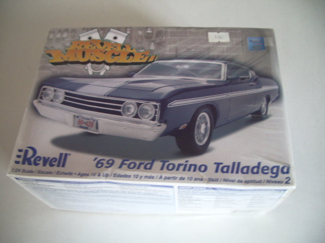 ford torino talladega 1970 de chez revell version drag race  8z36