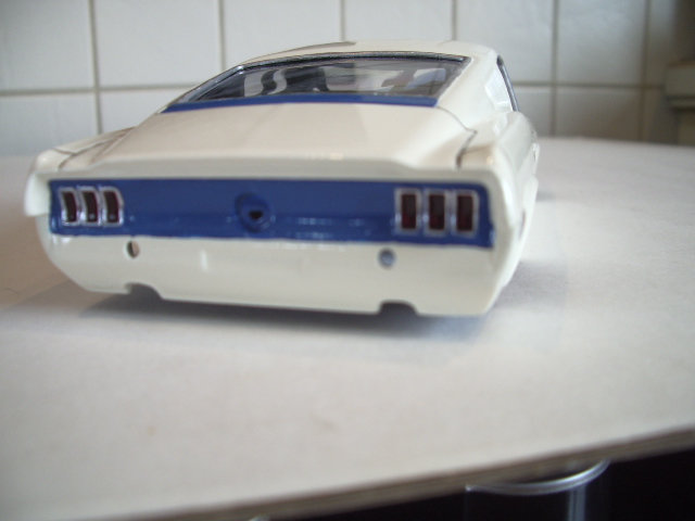 mustang GT 1968 version drag race au 1/25 de chez revell. 83q2