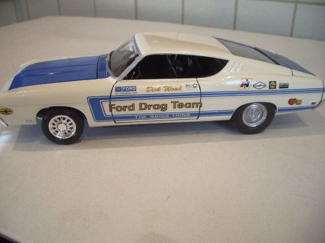 ford torino talladega 1970 de chez revell version drag race  Dtym