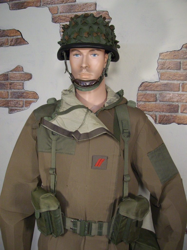 NBC training suit display M86n
