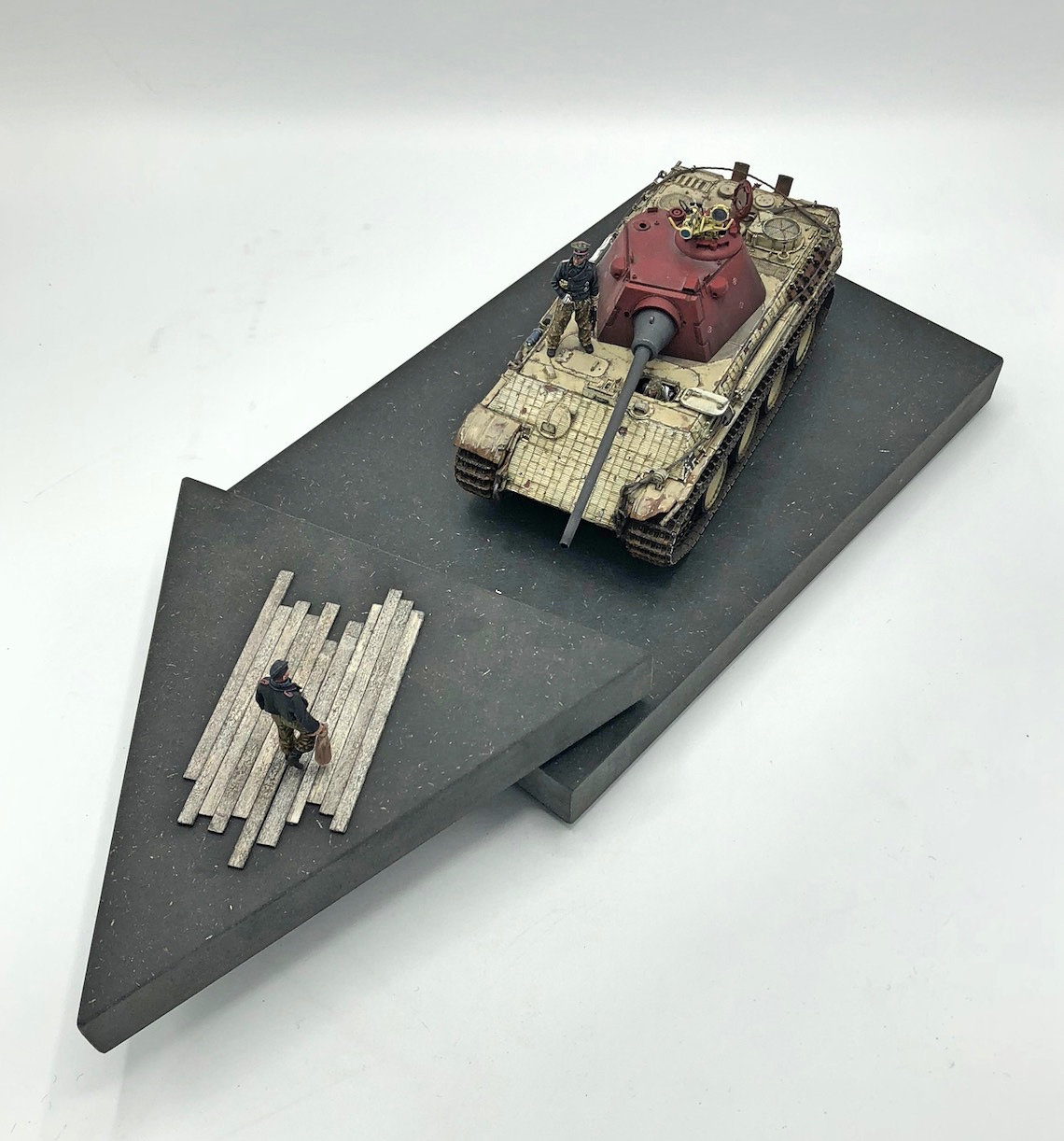 Panther F (kit Dragon) - 1/35 - Page 2 Fy3n