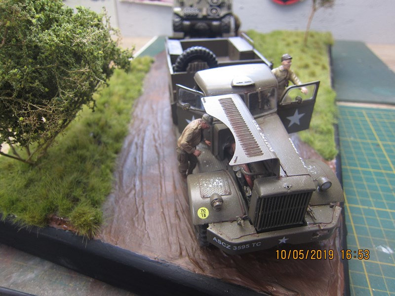 Camion M 19 et son Sherman M 4 A3 - Page 3 Haa3