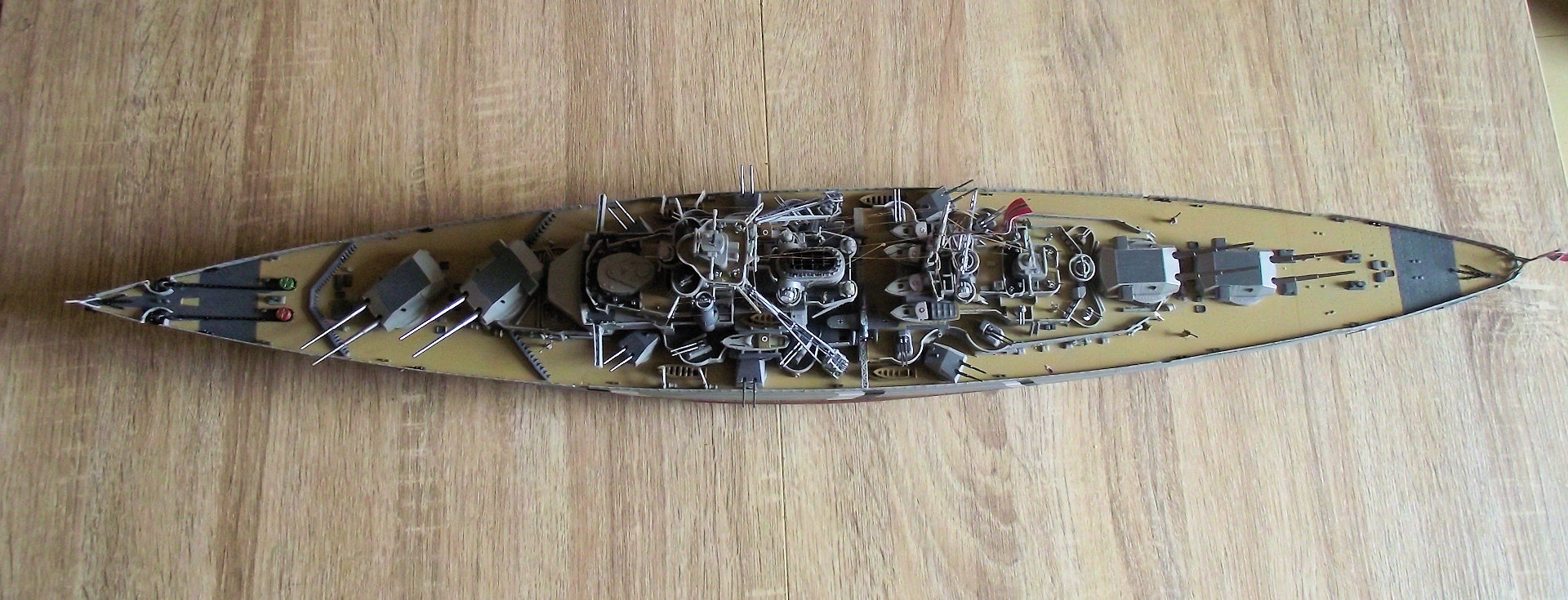 Bismarck Revell au 1x350 Jxtt