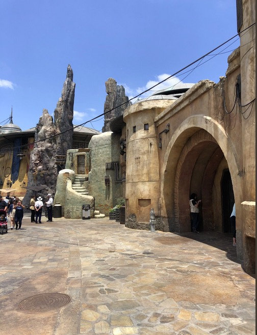 [Disneyland Park] Star Wars: Galaxy's Edge (31 mai 2019) - Page 4 Th2f
