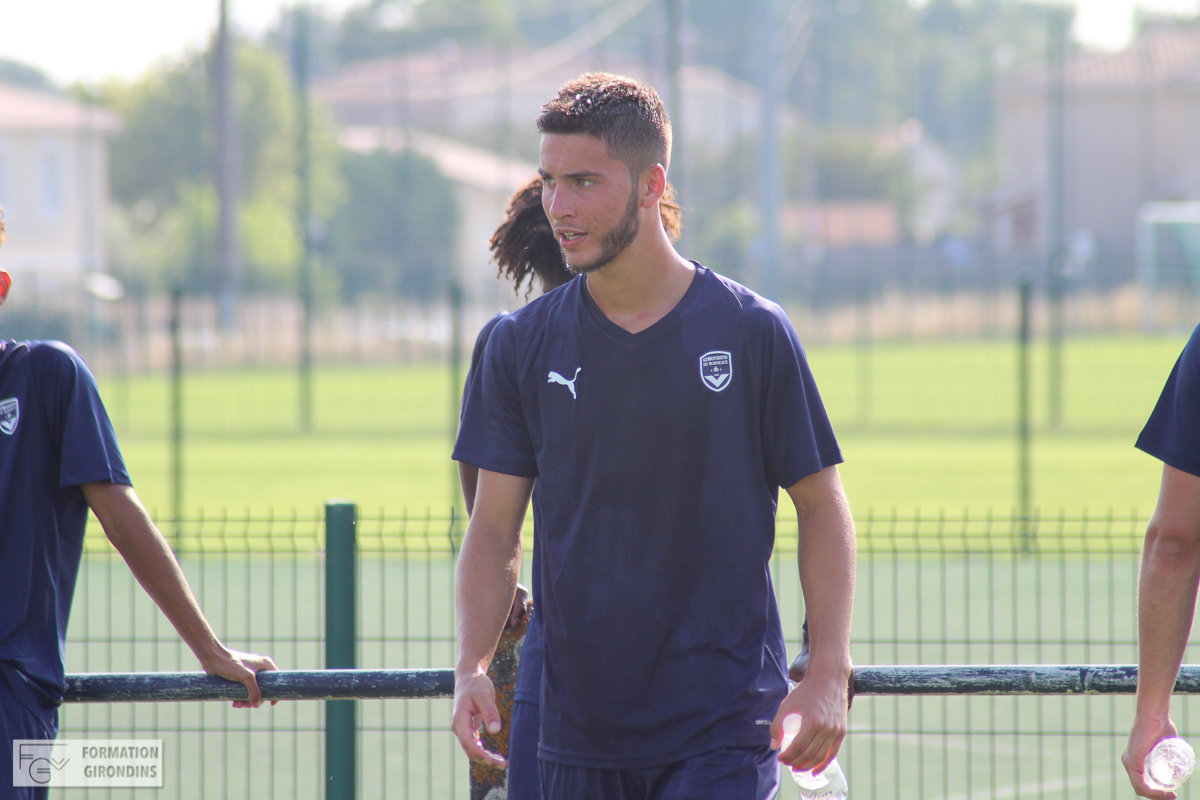 Cfa Girondins : Tom Lacoux a signé son contrat stagiaire pro - Formation Girondins