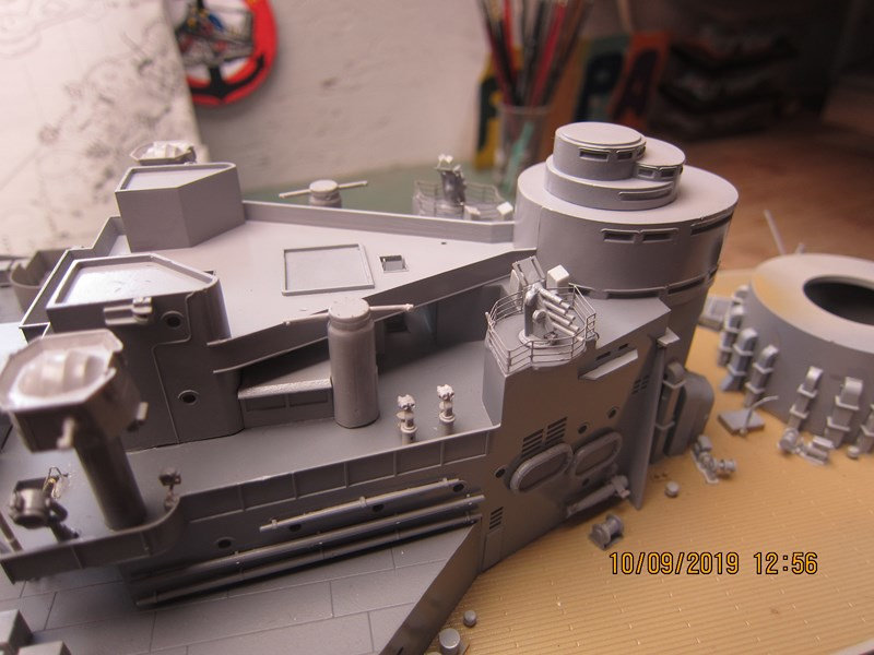 Le HOOD  1/200 Trumpeter 5ds6