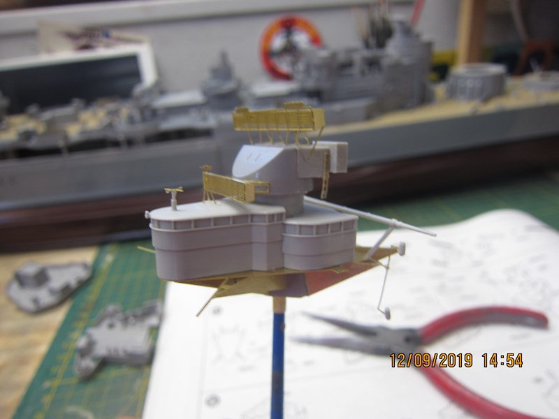 Le Hood 1/200 Trumpeter - Page 2 6oe1