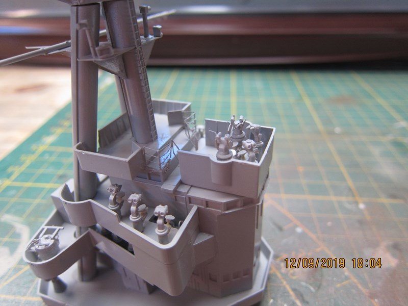 Le Hood 1/200 Trumpeter - Page 2 J9uo