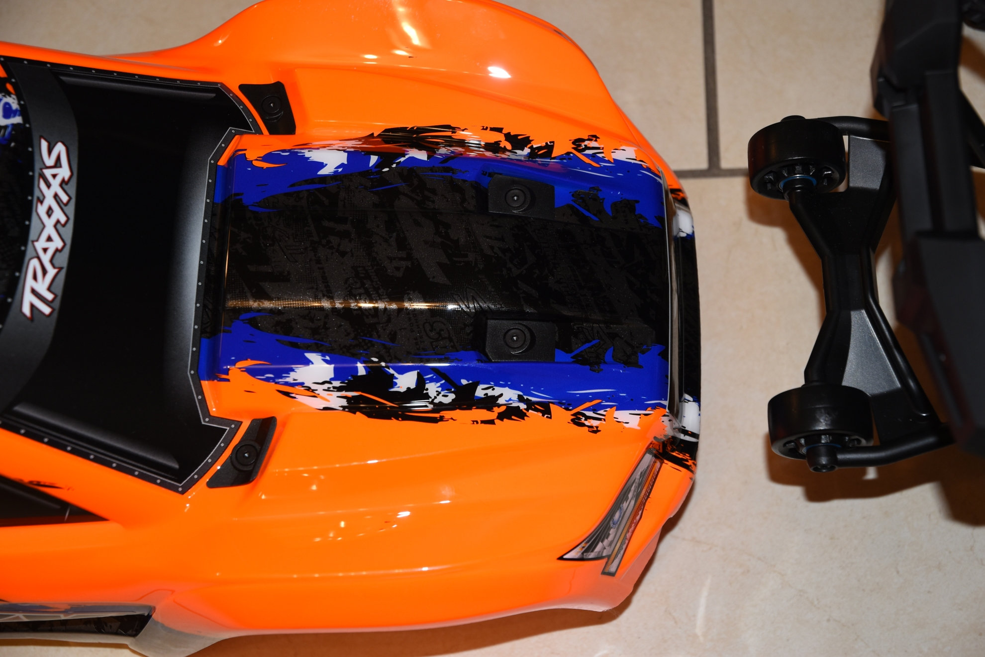 Xmaxx orange mécanique  - Page 2 Ei18