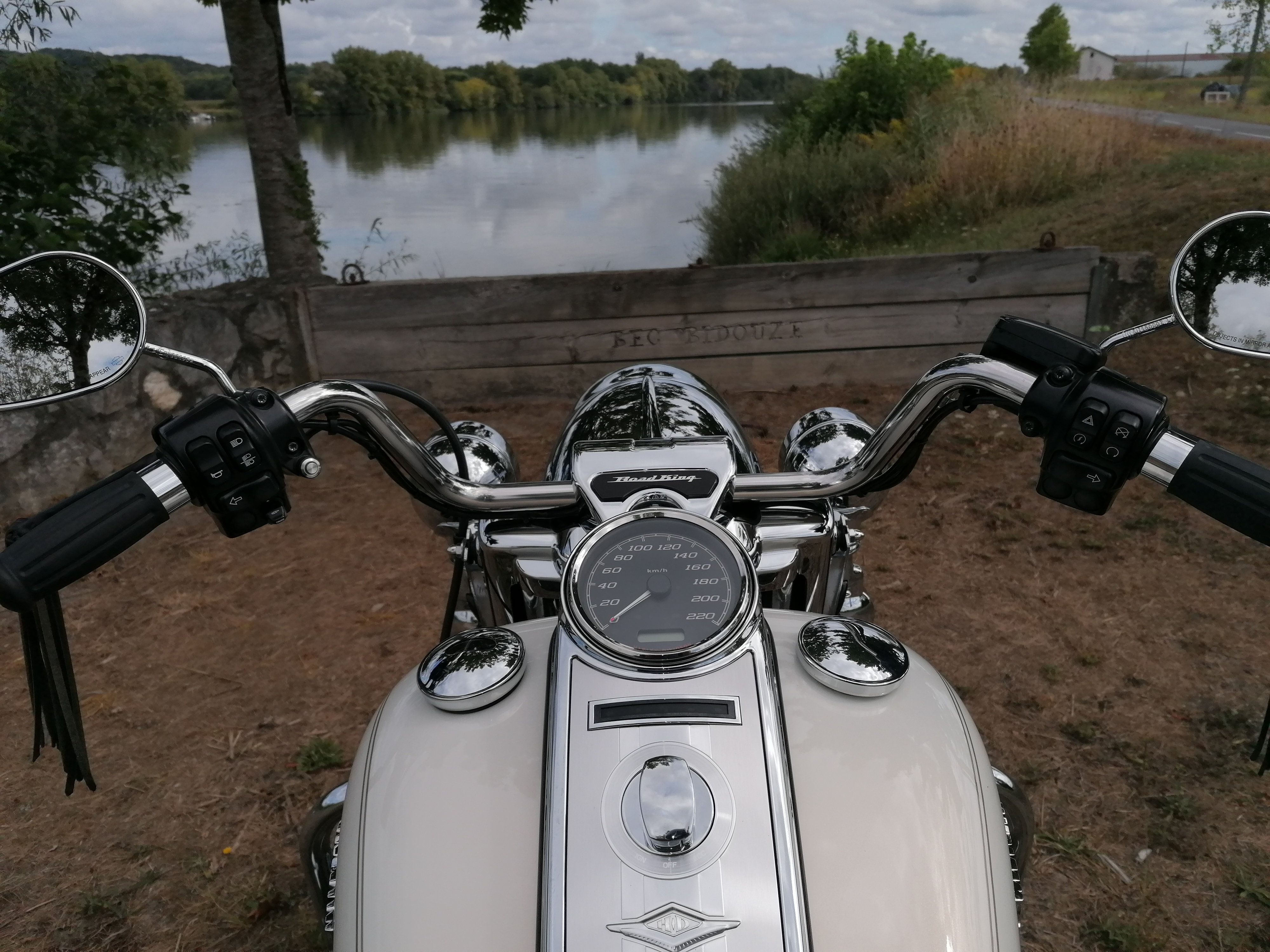 Road King 2007 - 10500€(VENDUE) - Page 3 W17a